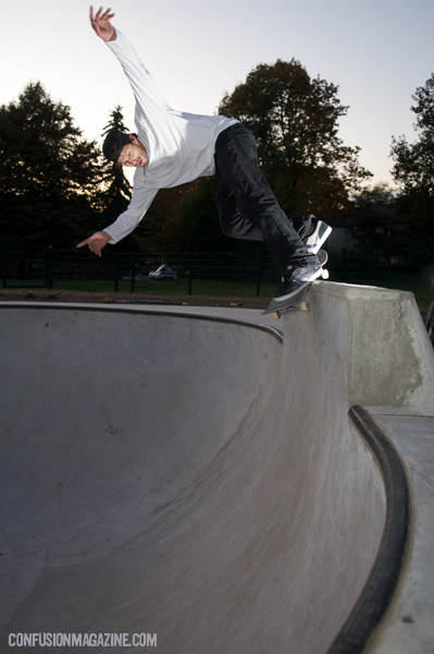 Jan Wermes, Backside Smith Grind on the pool coping extension