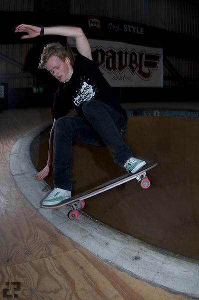 Dennis Degenhard, Layback grind. Photo J. Hay