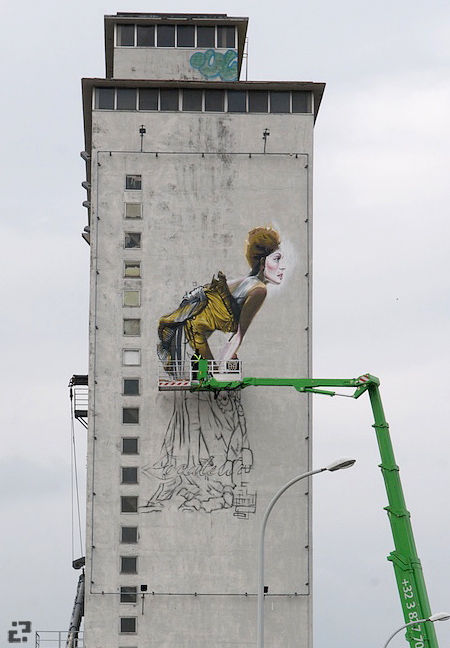 Across the street from the Antwerp Skatepark, a grafitti work in progress