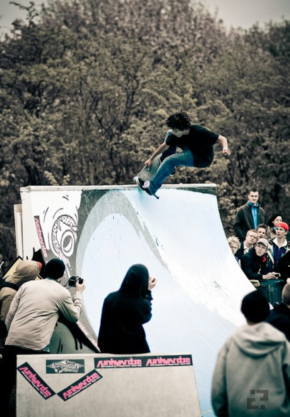 Nosepick on the wave wall. Photo: Martin Palsson