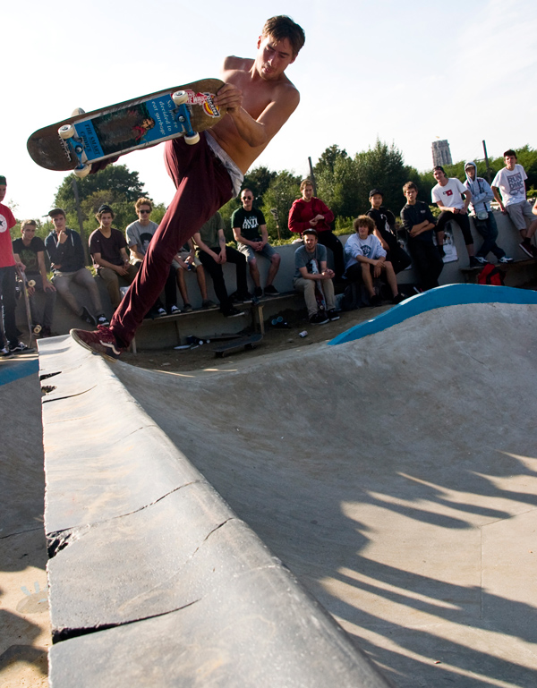 Marijn Verbrugge doing a boneless with the power Captain Blackbeard would be jealous of.