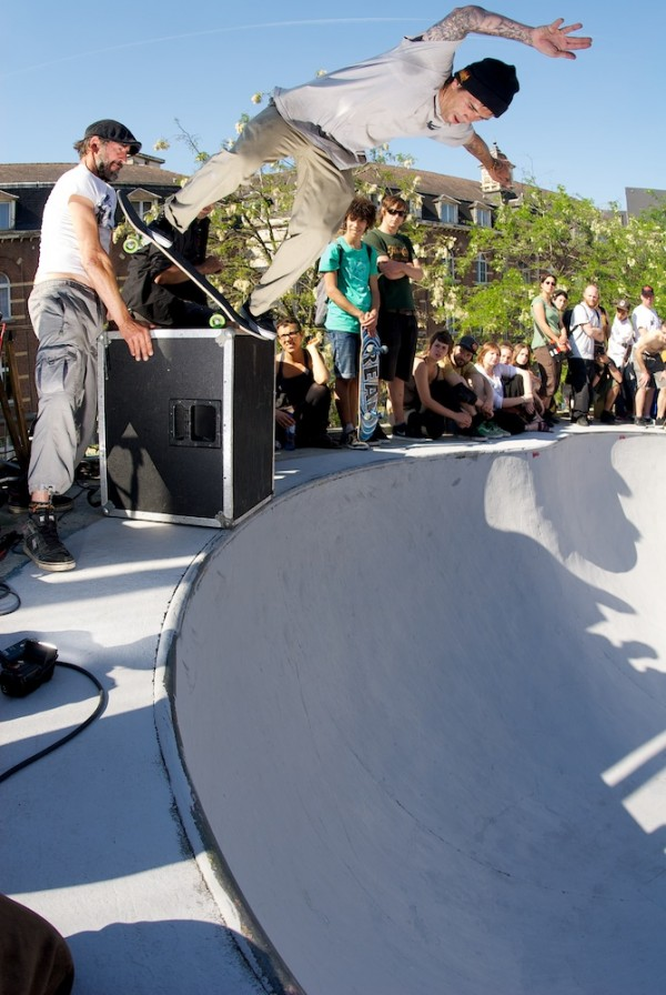 Julien Benoniel bs blunt on the speaker