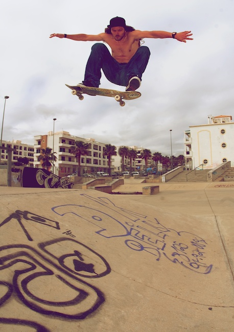 Martyn Thomas. Fat ollie over the hip.