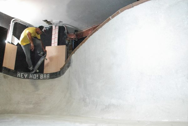 Jose Noro, testing out the Hey Ho! Bar that he built with a tail block.