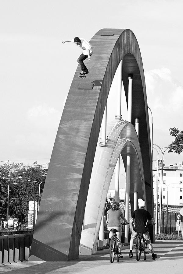 Michał Juraś. Ollie. Wrocław, Poland. Photo: Kuba Bączkowski