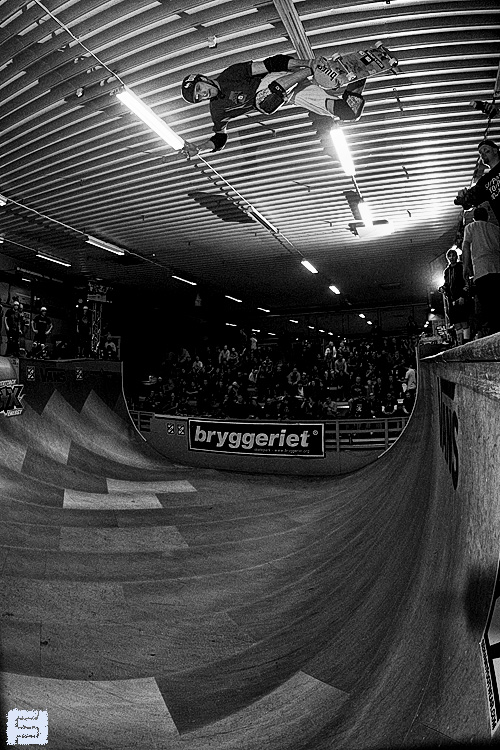 Jean Postec. Roof high Backside air.