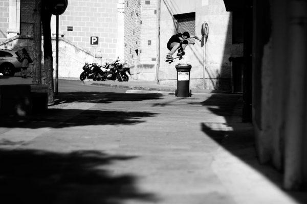 Juan Sorauren. Ollie. Tarragona, Spain.