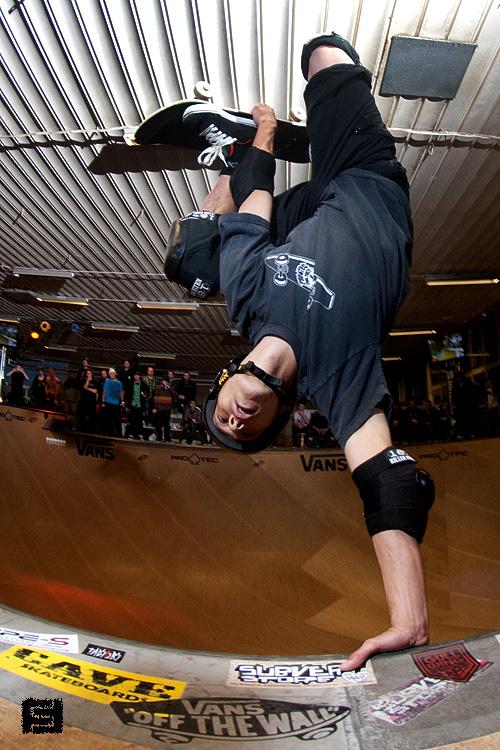 Nicky Guerrero from Denmark. Smith vert.