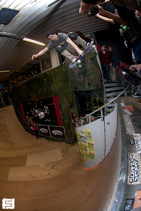 Tim Bijsterveld. Bomb dropping from the spiral staircase into the ramp.