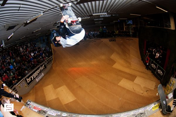 Yuto Horigome. Youngest dude there, from Japan. This kid rips with style. 540 spin.