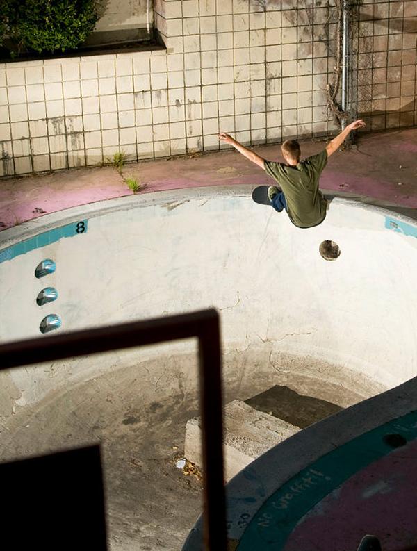 Frontside grind. Jett Inn. Photo: Chris McDonald