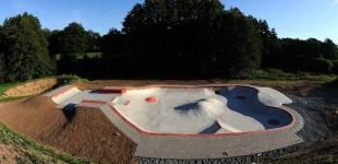 Neudrossenfeld Skatepark. Overview.