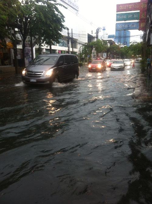 Building between periods of heavy monsoon rains!