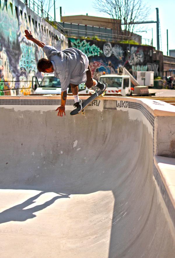 Julien Benoliel. Backside smith. Photo: Damien Raveau - LeSiteduSkateboard