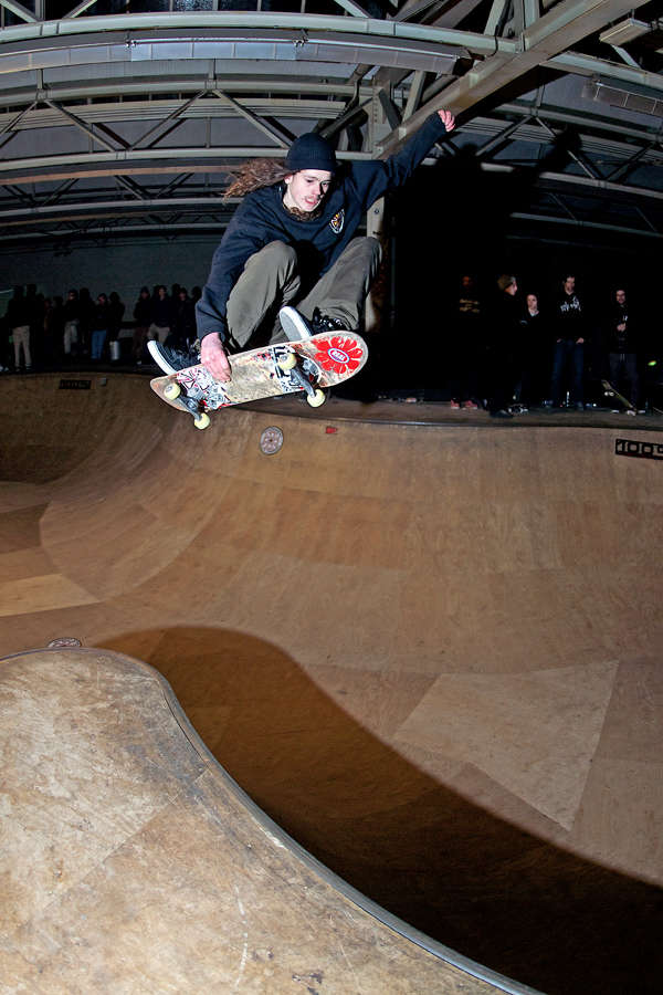 Nix Bax rips this bowl harder than almost anyone. Transfering over the hip.