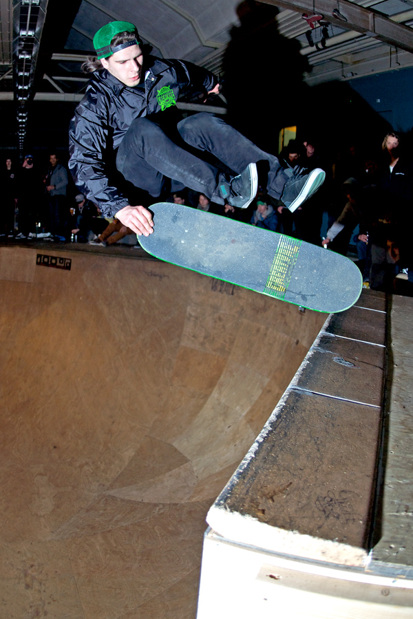 Tim Bijsterveld. Fingerflip to tail