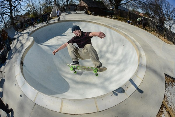 Tony Marle. Frontside Ollie. Photo: Ken Penn.