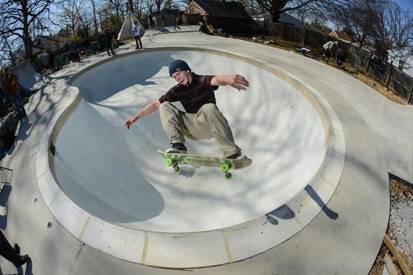 Tony Marle. Frontside Ollie. Photo: Ken Penn.
