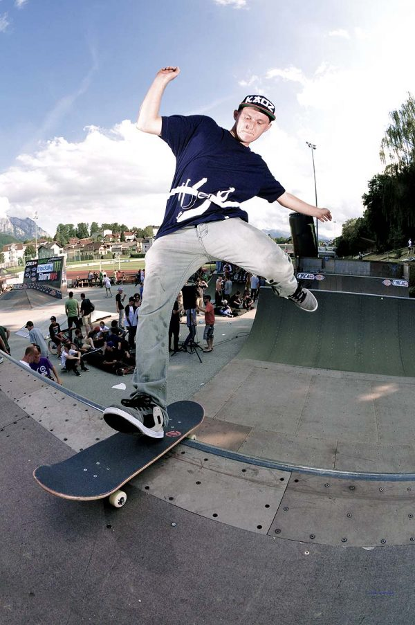 Chris Haake. One footed rock to fakie.