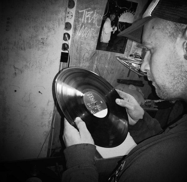 DJ Lele. The Wall. Photo: Tadej Vaukman