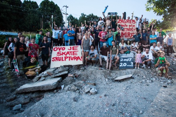 Demonstration to stop the destruction of the SC Pool.  Photo: Kristijan Smok