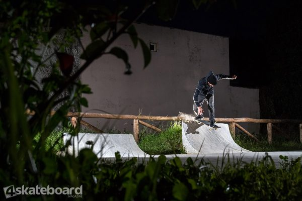 Simone Verona. Transfer backside lipslide.  Photo: Federico Romanello