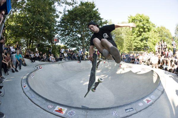 Tim Bijsterveld. Finger flip lien to tail.  Photo: Jo Hempel