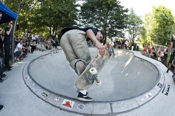 Max Shradder. Backside Boneless. Photo: Jo Hempel