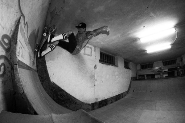 Riding the Pumpa indoor miniramp.  Photo: Sket Andestroy