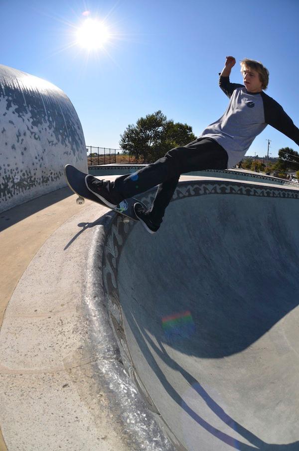 Feeble. Santa Cruz skatepark.