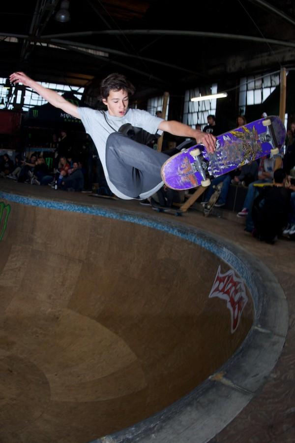 Daan Van der Linden. Frontside tailbone.  Photo: Hay