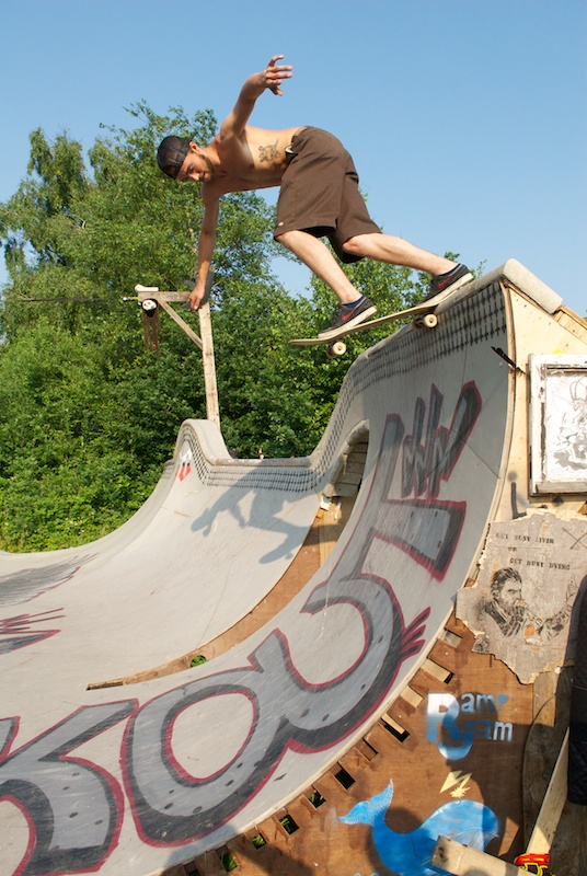 Jonatan Amotz from Copenhagen, Denmark with a backtail on the oververt.