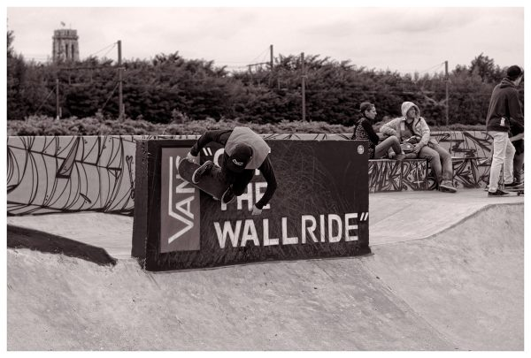 Phil Zwijsen carving bs on the Vans off the wallride.