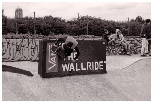 Phil Zwijsen carving bs on the Vans off the wallride.