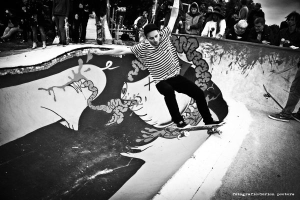 Szymon Stachon was killing the bowl session frontside, backside and upside down to get the one and only Independent bowl-ashtray.