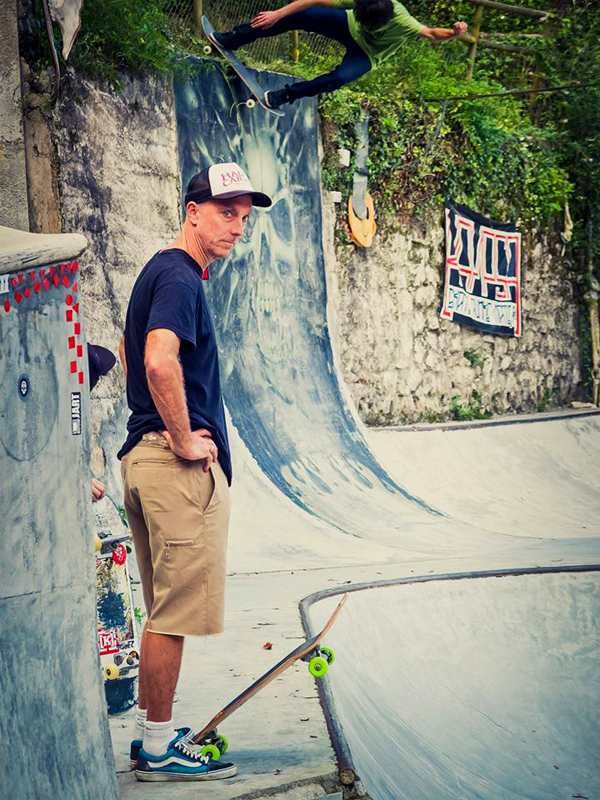 Chetos. Rock to fakie with Kevin Campbell waiting to drop in the bowl. Photo: Joseba Aldalur Tetuan.