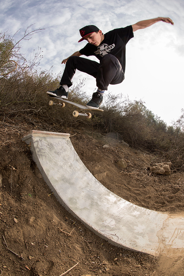 Alex Olson. Ollie to fakie.  Photo: Aaron Pettigrew
