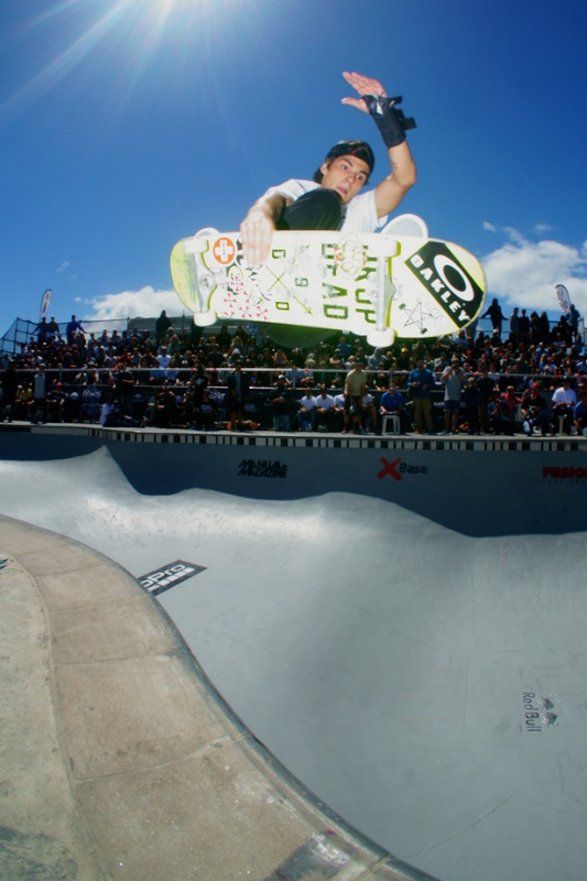 Murilo Pères. Frontside drifter over the hip.