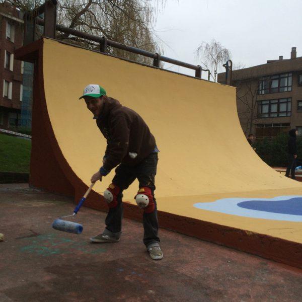 Kako painting the half pipe.
