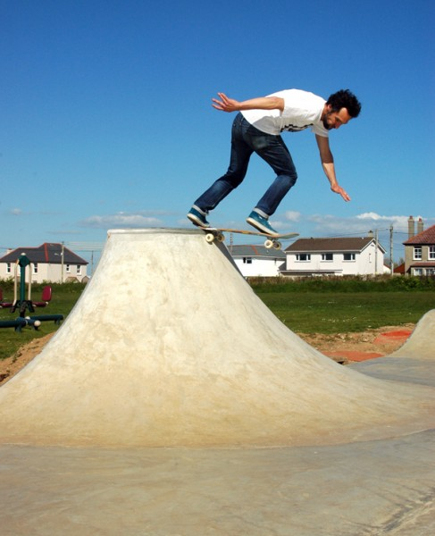 Whip. Back tail.