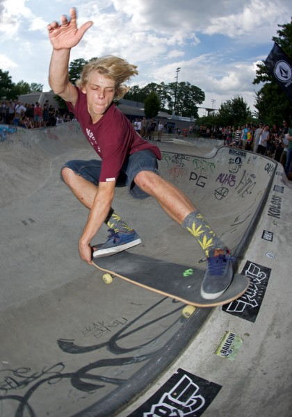Robian Fifield. Text book crailslide.  Photo: J. Hay