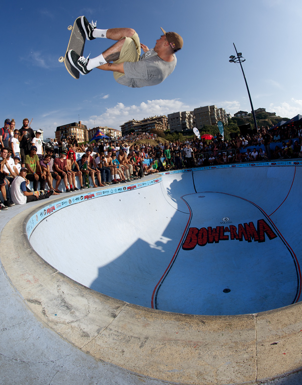 Pedro Barros from Brazil. 540 stalefish helping assure his first place finish at this years Bowl-a-Rama. Photo: J. Hay