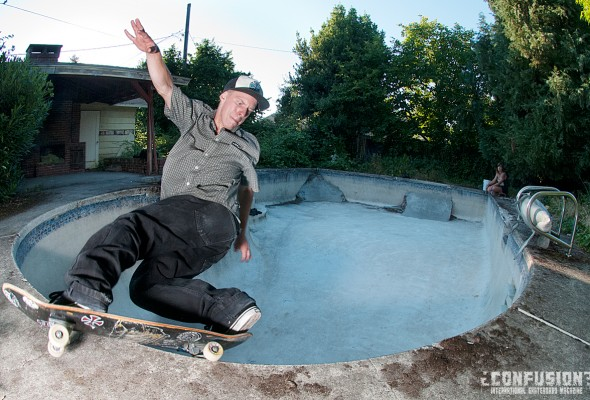 Frank Shaw in a brutal backyard pool somewhere in Oregon. Photo: Brady Walsh. As seein in Confusion Magazine issue #8