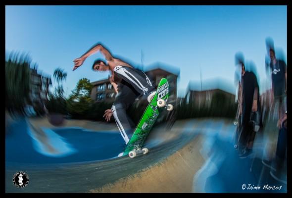 Jaime Ruiz de Gopegui. Nose blunt slide. Photo: Jaime Marcos