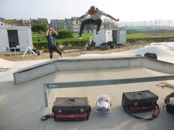 Local Pierre`s first session in the new park involved this massive 360° Flip Transfer over the ledge, way to go!