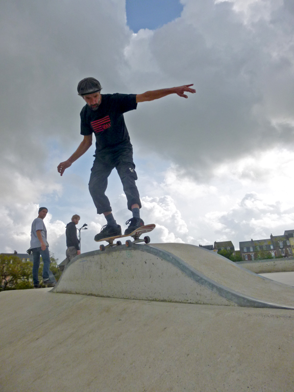 Mikey slappies one of those obstacles that`s skateable from both sides now.
