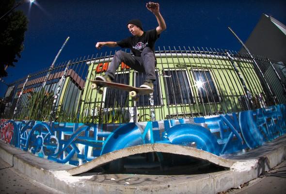 Alex Vasquez. Ollieing the pump-hump. Photo: Kasper