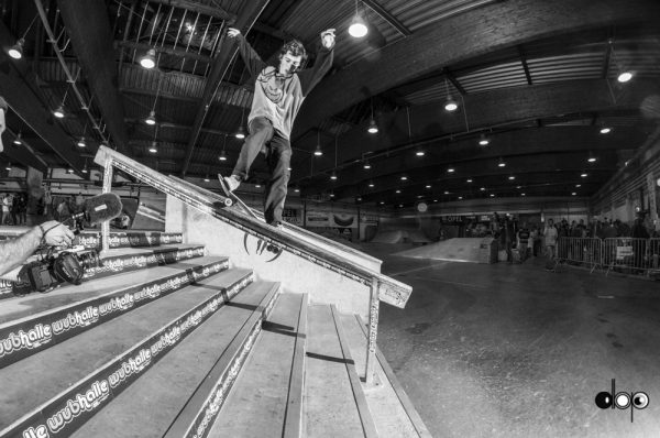Daan van der Linden. Switch smith grind