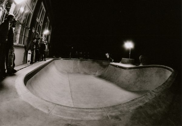 Flower from Flensburg. Pivot Grind to fakie.