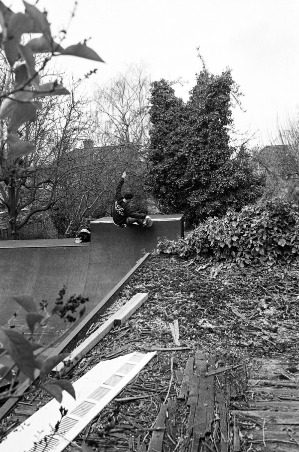 Matt Bromley. Frontside slash grind.